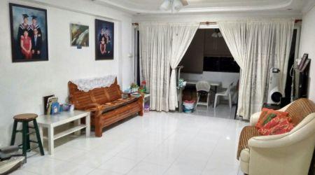Huge Apartment HDB at Tampines